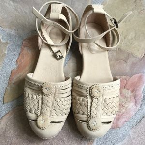 Antik Batik tan leather flat espadrille size 8